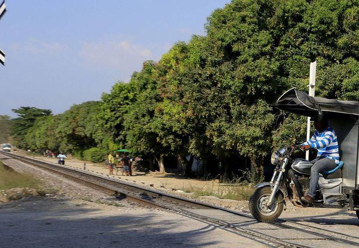 Vista de un cruce de caminos en Aracataca, municipio de Magdalena, Colombia, y cuna del escritor colombiano Gabriel García Márquez. (EFE)