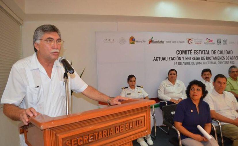 Juan Ortegón Pacheco dijo que se realizan evaluaciones periódicas a fin de que las unidades de salud cumplan con los procesos de acreditación. (Redacción/SIPSE)