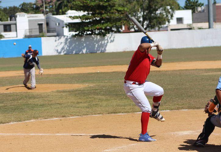 Piñeros y Piratas también obtuvieron sus respectivas victorias en la jornada de la Liga Estatal de Béisbol. (Miguel Maldonado/SIPSE)