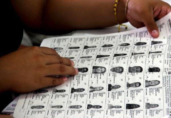 El hombre que encontró la lista nominal de electores mexicanos estará dijo que las autoridades de EU y la embajada de México lo ignoraron cuando les informó de la existencia del documento en Amazon.  (Archivo/SIPSE)