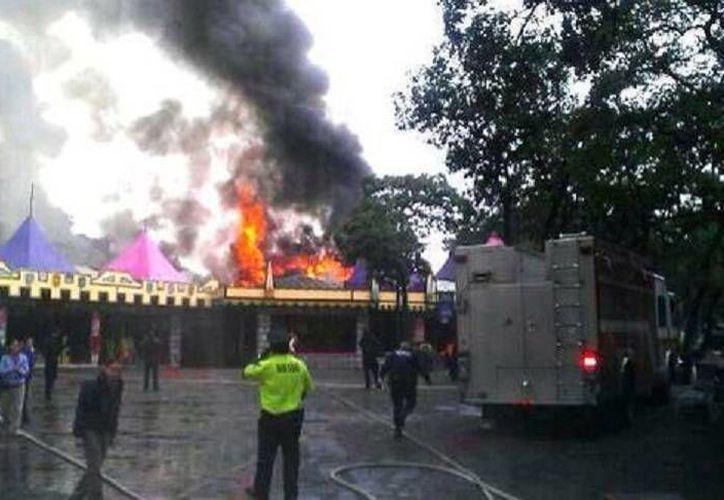 Hasta el momento no hay reportes de personas lesionadas debido al siniestro en el parque Six Flags. (Milenio)