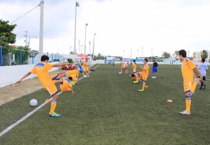 El domingo Isla Mujeres recibirá a la selección de Fútbol Soccer de Belice. (Redacción/SIPSE)