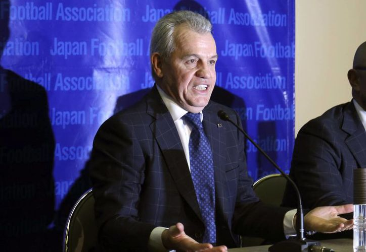 En conferencia de prensa para defenderse sobre las acusaciones en su contra por arreglo de partidos, el entrenador Javier Aguirre afirmó que 'cree en la limpieza y en la honestidad del fútbol español'. (Foto: AP)