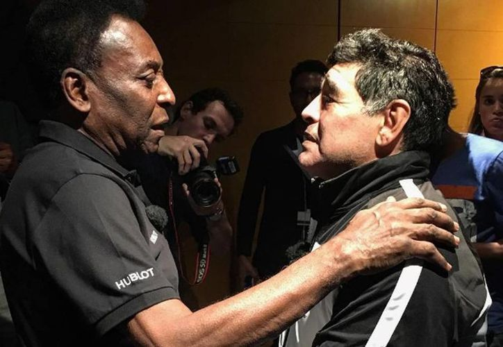 Maradona y Pelé olvidaron sus viejas y repetitivas disputas y se reuniero en un acto previo a la Eurocopa de Francia. (Instagram Pele)