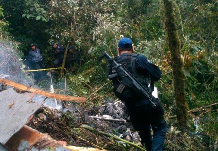 Un helicóptero de Telmex se estrelló contra un cerro en los límites de Oaxaca y Puebla: hay 4 muertos. (lopezdoriga.com)