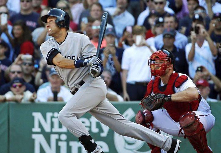 El último hit de Jeter, el número 3,465, le permitió subir su promedio de por vida a .310. (AP)