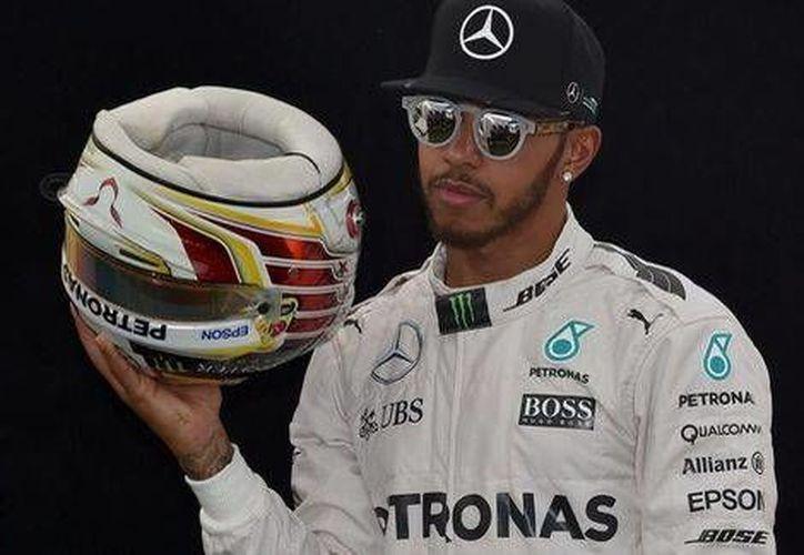 Lewis Hamilton saldrá en la primera posición en el Gran Premio de Australia. El mexicano 'Checo' Pérez iniciará en noveno.(AP)