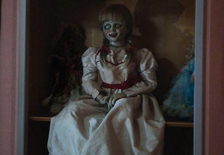 Usuarios de teléfonos móviles podrán por medio de una aplicación jugar con la muñeca Annabelle, protagonista del filme de terror. (enfilme.com)
