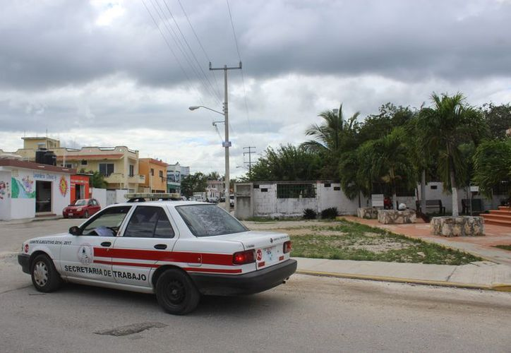 Los sitios de taxi de Tulum aún no cuentan con señalamientos. (Foto: Sara Cauich/SIPSE)