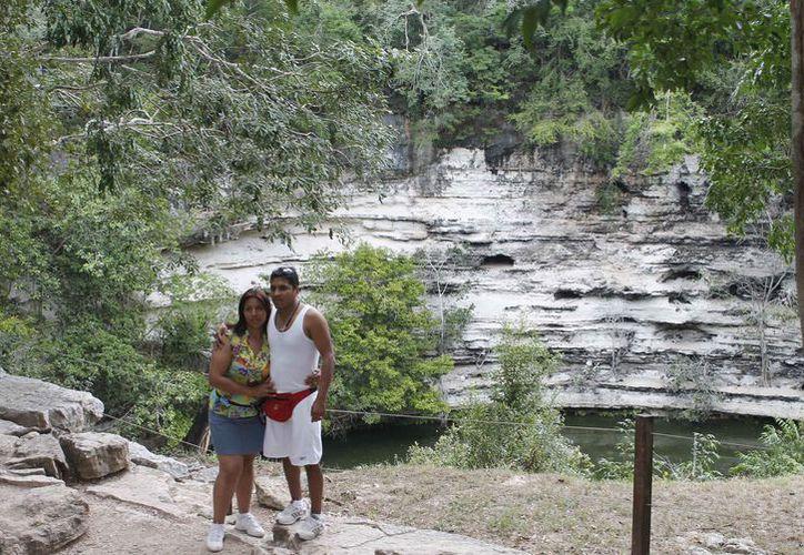 Los turistas buscan los atractivos naturales en los destinos del estado. (Israel Leal/SIPSE)