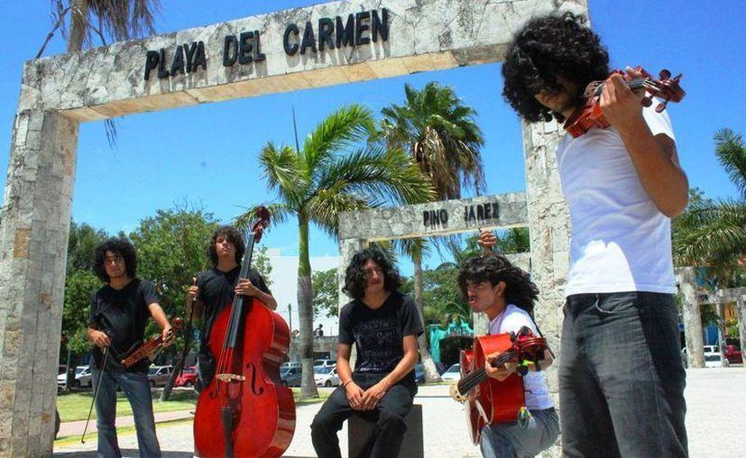 El quinteto Vinahell dará un concierto a beneficio de niños de la zona maya, en el Teatro de la Ciudad de Playa del Carmen. (Daniel Pacheco/SIPSE)