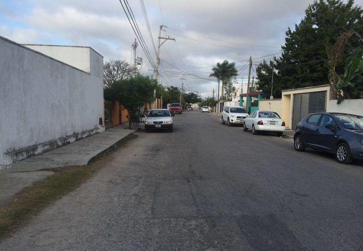 En esta calle de la colonia Maya de Mérida, por el rumbo de Altabrisa, fue detenido Flavio Gómez Martínez, hermano de Servando alias La Tuta, líder de los Caballero Templarios. (Jorge Sosa/SIPSE)