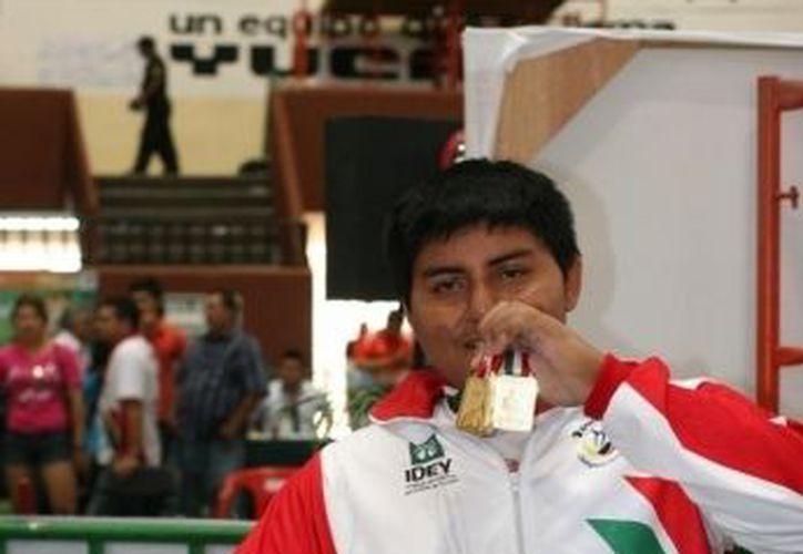 César Herrera Mendoza, destacado halterofilista yucateco.  (SIPSE)