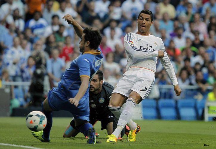 Sufre Real Madrid para conseguir el triunfo en partido ante el Getafe. (Agencias)