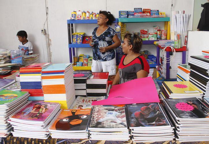 Participarán alrededor de 60 expositores en la feria de venta de útiles escolares. (Paola Chiomante/SIPSE)