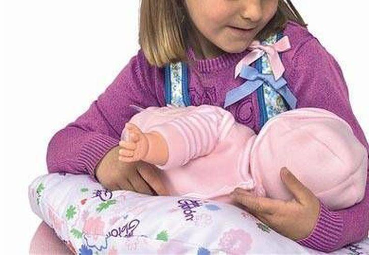 La recién nacida pesó 2.7 kilos al nacer y midió 50 centímetros, madre e hija ya fueron dadas de alta. (Internet)