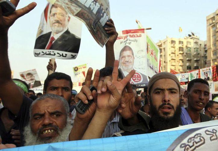 La manifestación interrumpió el tráfico en uno de los carriles de la calle Ramsés. (EFE)