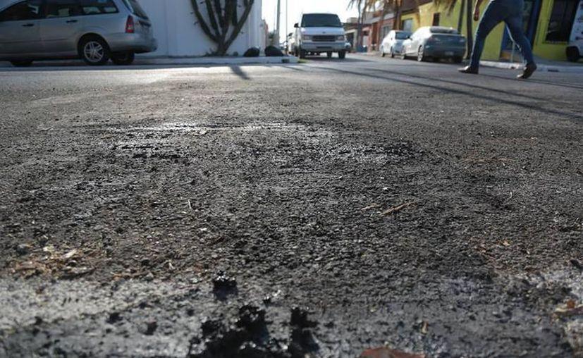 En mayo pasado, vecinos denunciaron daños en las calles. Según la Comuna, fueron dañadas con premeditación, con ácido sulfúrico. (Archivo)