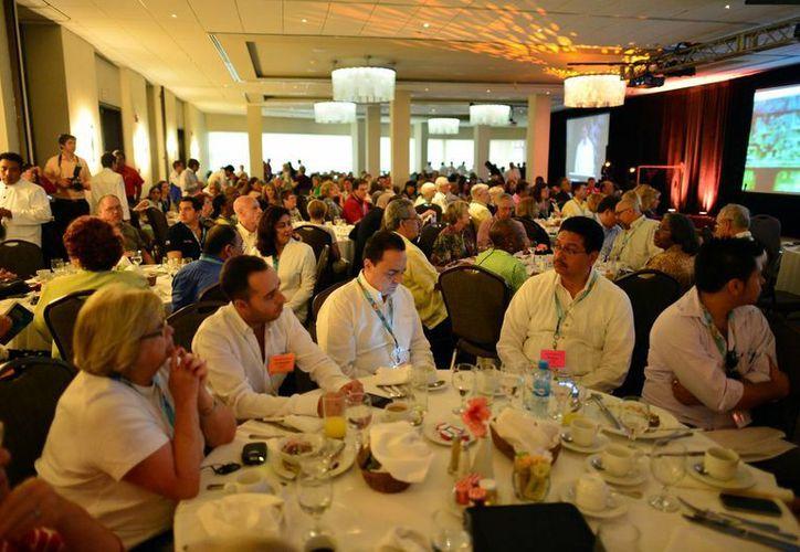 Participan en reunión internacional en Yucatán 350 agencias de viajes. (Luis Pérez/SIPSE)