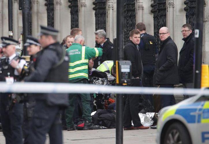 Al menos 12 personas han resultados heridas tras un «incidente» en el puente de Westminster. (PA)