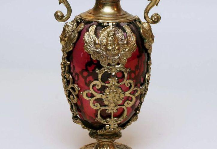 Una de las doscientas obras de arte hechas con cristal de Murano para grandes familias, como la de los Medici. (EFE)