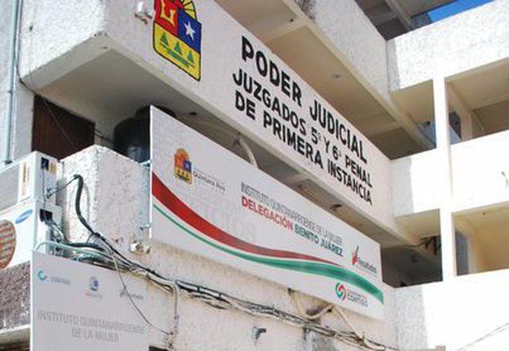 El Instituto Quintanarroense de la Mujer también ayuda a las madres adolescentes para que puedan terminar sus estudios y se desarrollen plenamente. (Tomás Álvarez/SIPSE)