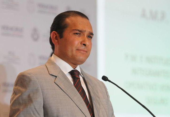 El fiscal general de Veracruz, Luis Ángel Bravo, dijo que pidió la intervención del Alto Comisionado de la ONU para que funja como observador en la investigación. (ventanaver.mx)