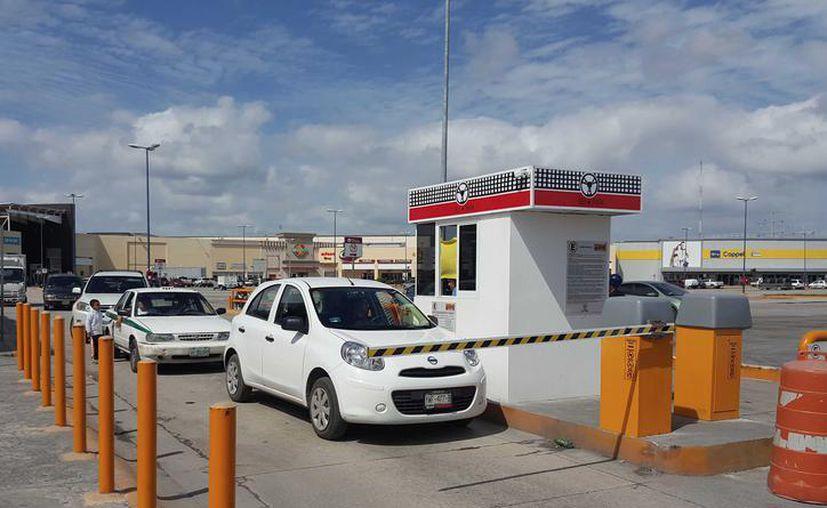 Regidores de Benito Juárez ya inspeccionan las tarifas que aplican los estacionamientos públicos en Cancún. (Redacción/SIPSE)