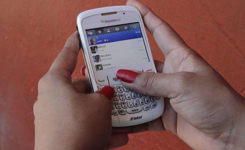 El servicio de WhatsApp dejará de funcionar en los sistemas operativos de BlackBerry. (Archivo/SIPSE)