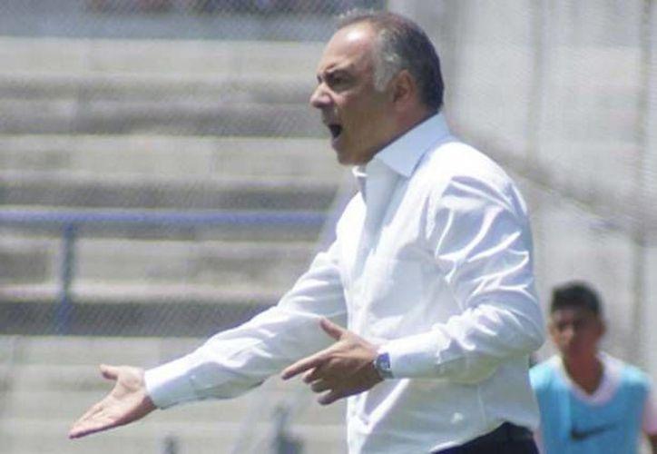 En conferencia de prensa al término del partido donde los Pumas superaron 2-0 a Dorados, el entrenador de la UNAM, Guillermo Vázquez, opinó que el 'Tuca' Ferreti es la mejor opción que la Selección Mexicana puede tener en la dirección técnica. (Archivo Notimex)