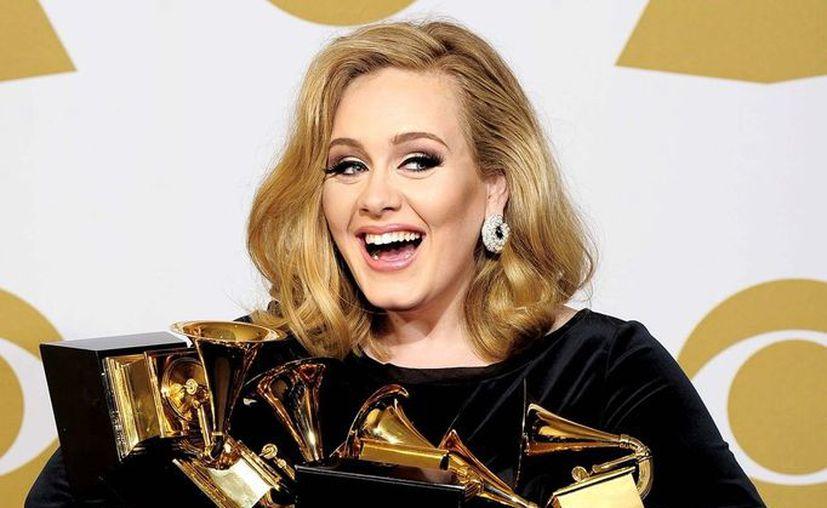 El tema principal de 'Skyfall' cantado por Adele, podría ganar un Oscar, lo que ninguna  película sobre James Bond ha logrado hasta ahora. (Agencias)