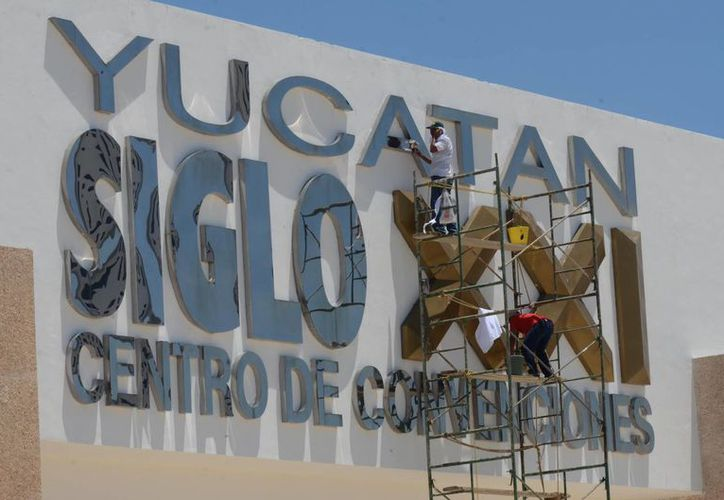 Preparativos en el Centro de Convenciones Yucatán Siglo XXI para la cumbres del Caribe. (Cuauhtémoc Moreno/SIPSE)
