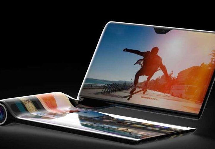 El teléfono cuenta con cuatro pantallas, dos procesadores y una cámara de 60 megapíxeles con un zoom óptico x15. (CH)