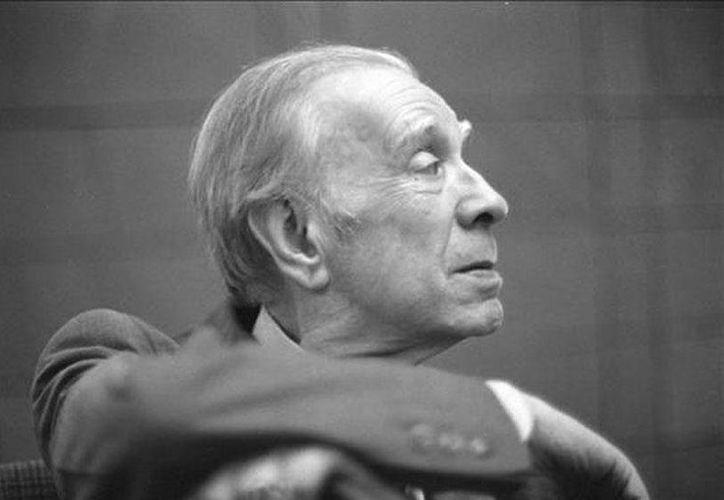 Jorge Luis Borges nació el 24 de agosto de 1899, en Buenos Aires, ciudad de la que escribió y estuvo enamorado. (Archivo/ EFE)