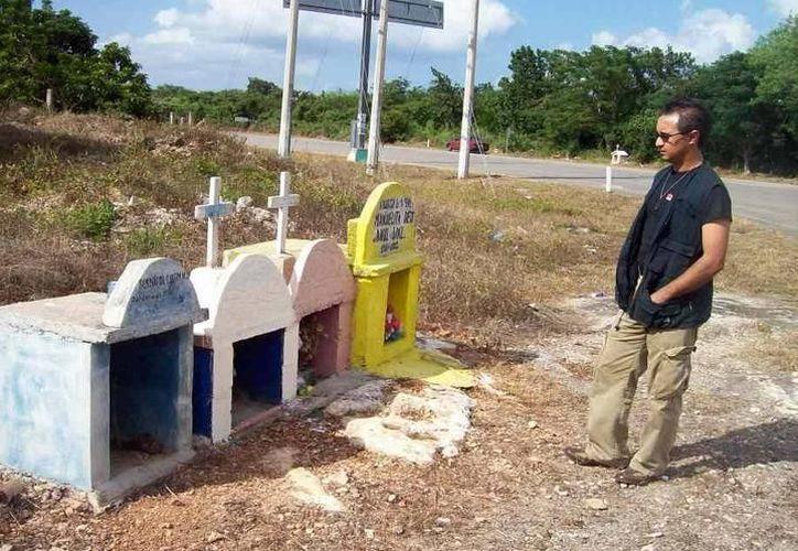 Por las carreteras de Yucatán se suelen ver nichos de todo tipo. (Jorge Moreno/ SIPSE)