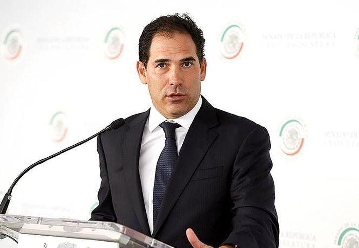 Pablo Escudero, presidente de la Comisión Anticorrupción del Senado, presentó el proyecto de dictamen del Sistema Nacional Anticorrupción. (Excelsior)