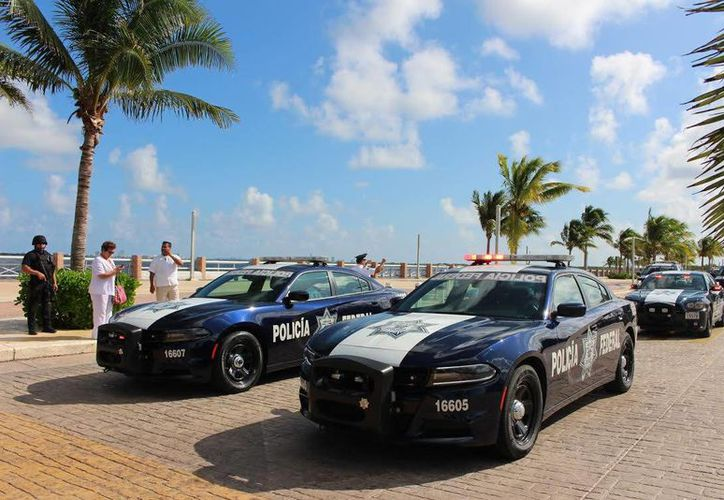 Elementos de Gendarmería aplican estrategias para garantizar la tranquilidad de los habitantes y turistas. (Cortesía/SIPSE)