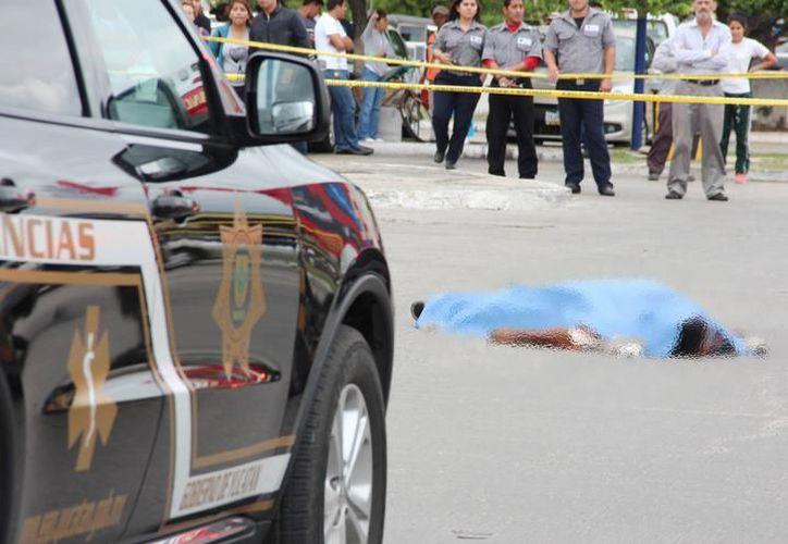 El accidente ocurrió en la zona norte del estacionamiento de Plaza Las Américas, en enero de este año. (SIPSE)
