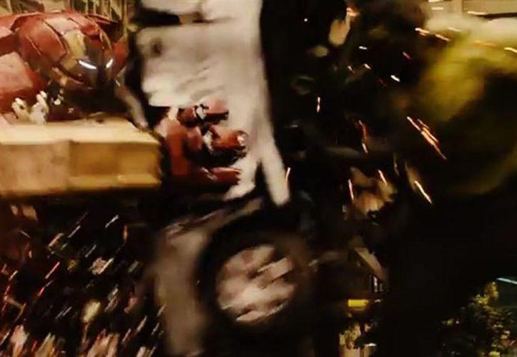 Una lucha entre Iron Man y Hulk será parte de lo que podrás ver en ''Avengers: Age of Ultron'' en mayo de 2015 (Marvel/Cortesía/mexico.cnn.com).
