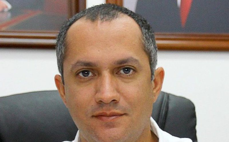 Entrega Javier Zetina su renuncia definitiva