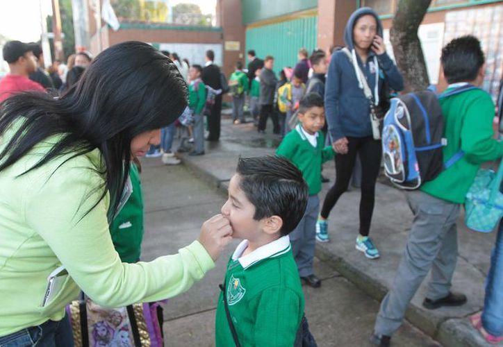 La SEP emitió un acuerdo en el cual dijo que hará más accesibles los servicios educativos para los niños inmigrantes. (Archivo/Notimex)