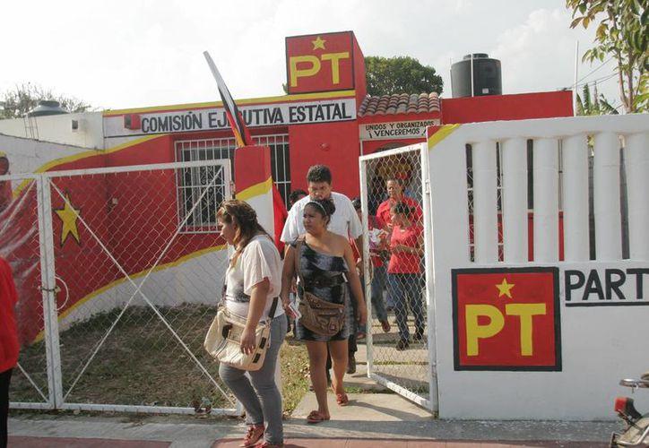 Se repartieron un millón 437 mil 748 pesos para actividades específicas.(Benjamin Pat/SIPSE)