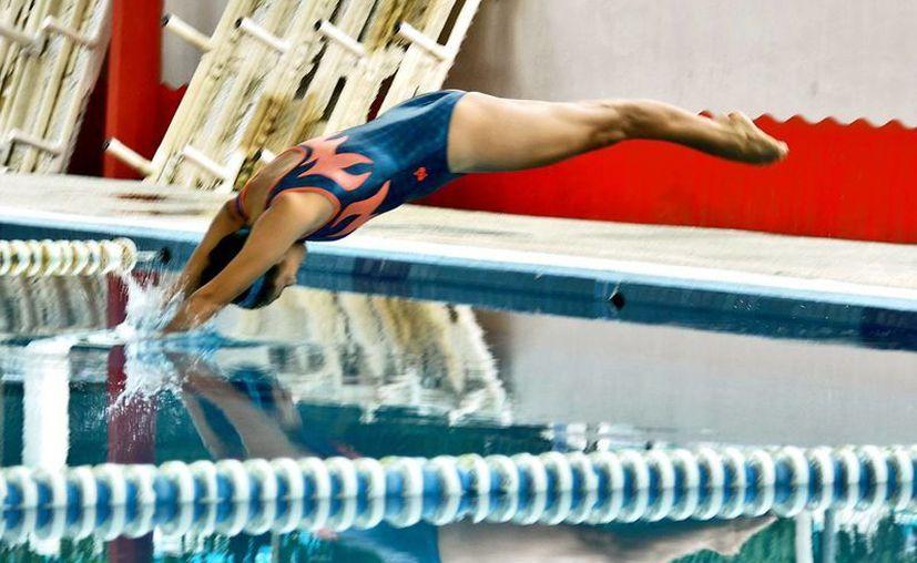 La Dirección de Deportes organiza esta competencia que es para nadadores de todas las edades.  (Redacción/SIPSE)