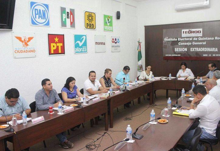 El Ieqroo aprobó las convocatorias para la organización de los debates públicos. (Redacción/SIPSE)