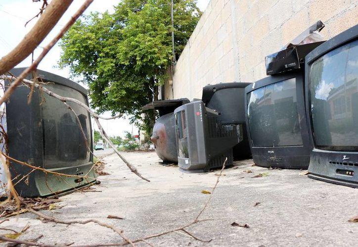 Los aparatos analógicos dejaron de recibir señal y la mayoría fueron son desechados por la población. (Milenio Novedades)