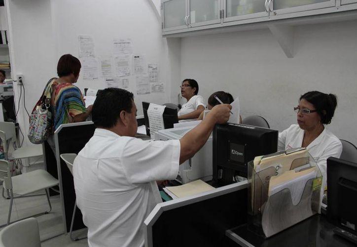 Los ciudadanos podrán aprovechar descuentos del 10 hasta el 50%. (Tomás Álvarez/SIPSE)