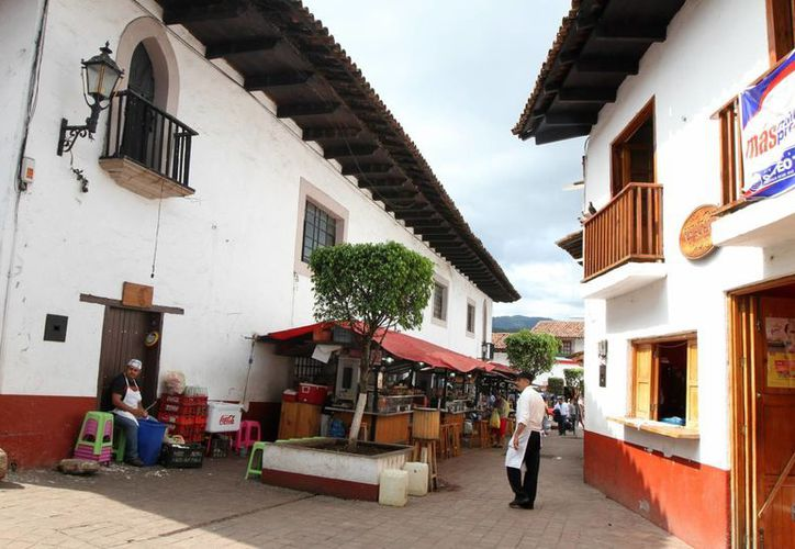Los esquites con camarón, las típicas campechanas y el famoso Callejón del Hambre son sólo algunos de los atractivos gastronómicos que pueden encontrarse en Valle de Bravo, municipio del Estado de México, considerado como Pueblo Mágico.  (Notimex)