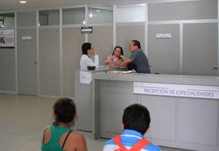 Por el momento no tienen el monto que ganarán las diferentes plazas, el más bajo es de seis mil pesos mensuales. (Ángel Castilla/SIPSE)
