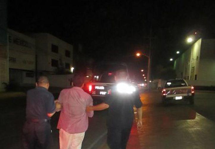 Los uniformados lo detuvieron y trasladaron a las instalaciones de Seguridad Pública. (Redacción/SIPSE)
