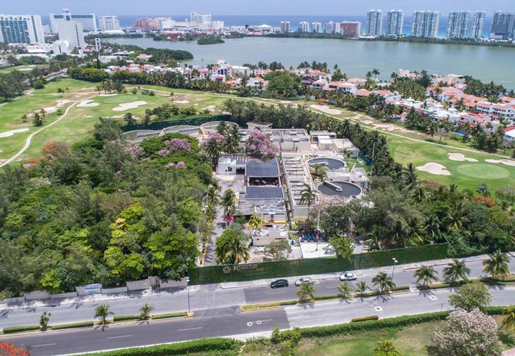 Las tres plantas de la zona hotelera de Cancún generan anualmente ocho millones 569 mil 911 metros cúbicos de agua tratada proveniente de hoteles, restaurantes y residenciales ubicados en esta zona integralmente planeada. (Paola Chiomante/SIPSE)
